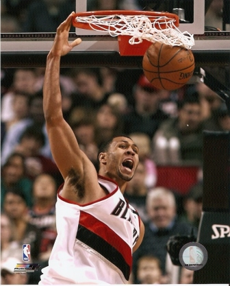 Brandon Roy Trailblazers Dunking 8x10 Photo
